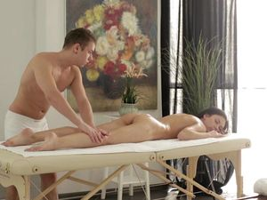 Teen Massage Fucking With A Pretty Teen Beauty
